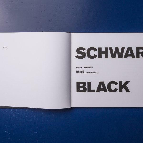 Schwarz Black