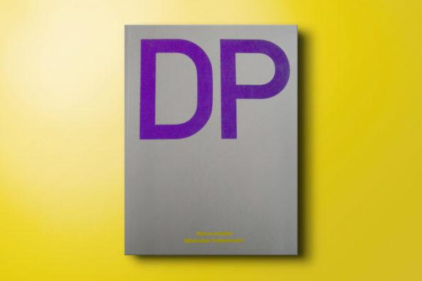 """<span class=""""caps"""">DP</span> Déformation Professionnelle"""